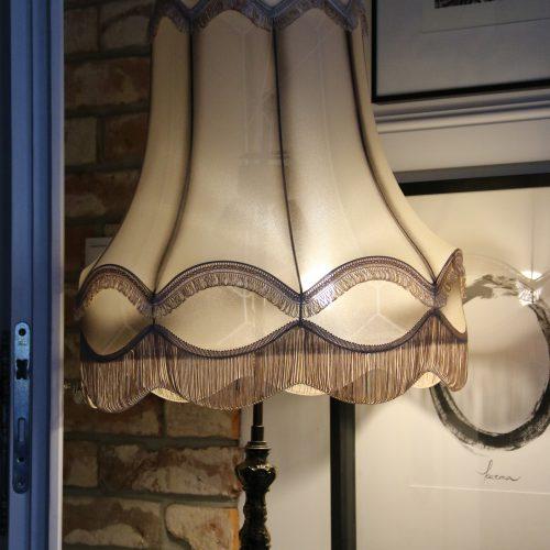 klasyczny abażur na lampę